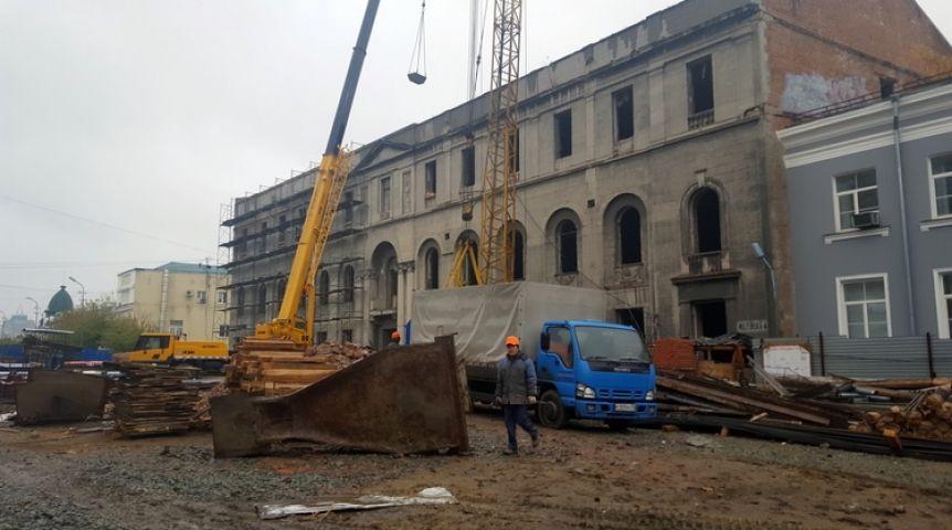 Реконструкция здания «Саламандры» закончится в 2018 — Минстрой