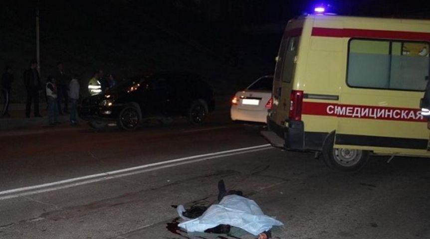 Натрассе Омск— Одесское шофёр фургона насмерть сбил женщину