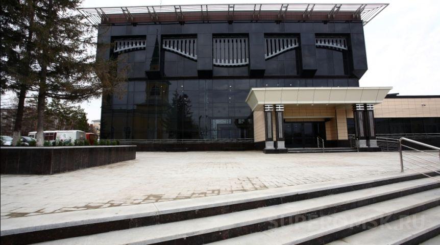 УКонцертного зала появится 1,5-метровая скрипка изо льда