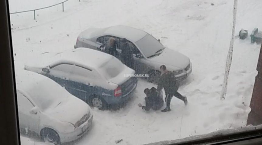 Картинки зима влюбленные машина