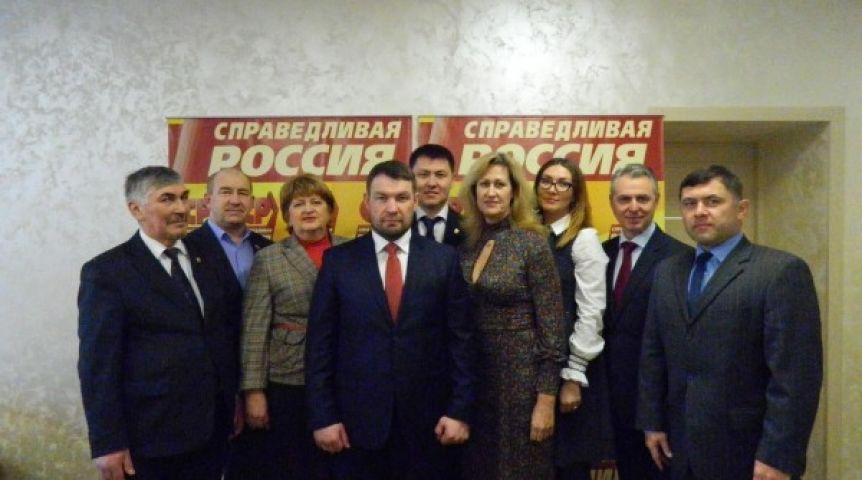 «Неоднозначный» Гуселетов возглавил «Справедливую Россию» вОмске
