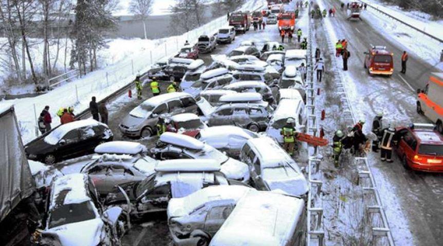Омичка на Хюндай Santa Feспровоцировала трагедию с6 автомобилями