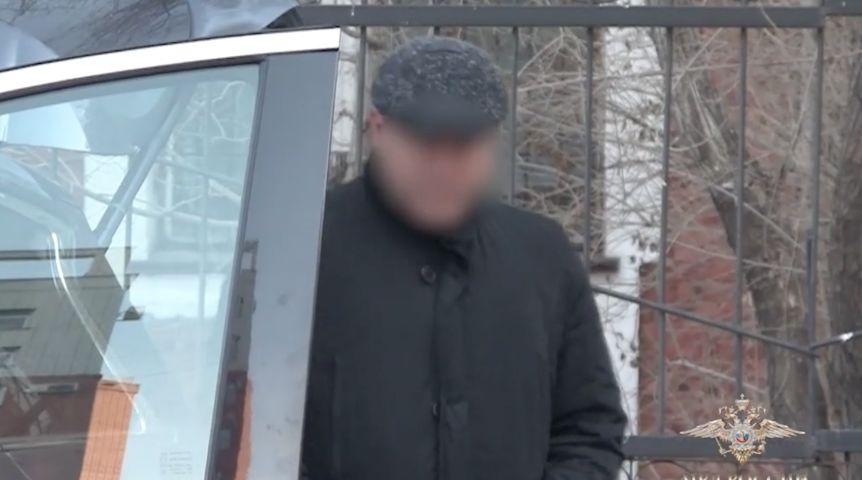 ФСБ и милиция отыскали вгараже омского дорожника счетчик купюр идоллары