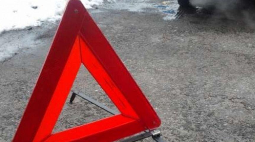 Врезультате дорожного происшествия наомской набережной пострадала десятилетняя девочка