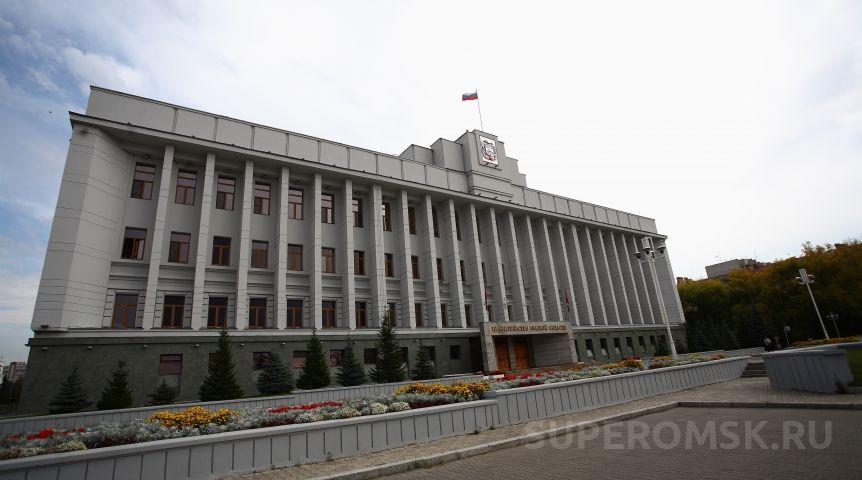 Омский министр образования Дернова поменяла мужчин-заместителей