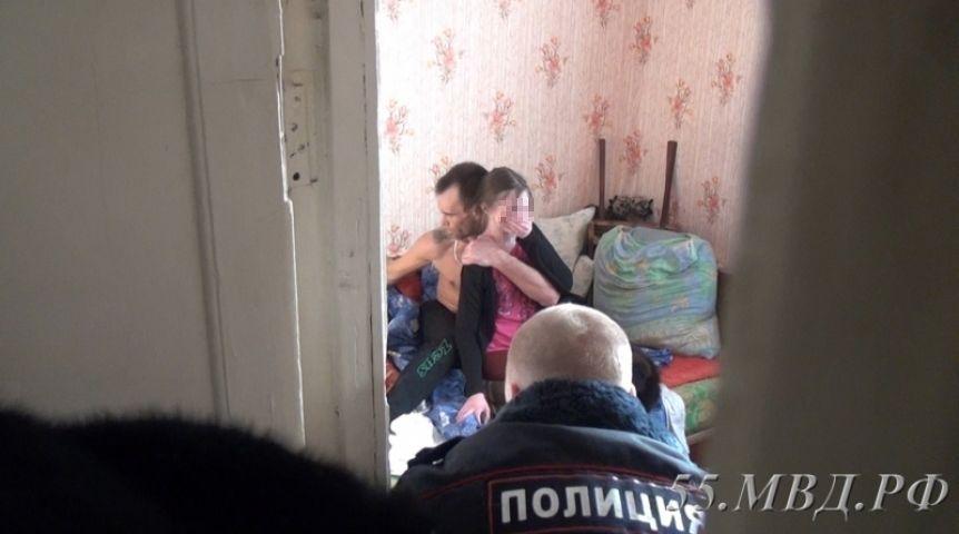 Наркоману, взявшему вОмске взаложники школьницу, угрожает до15 лет тюрьмы