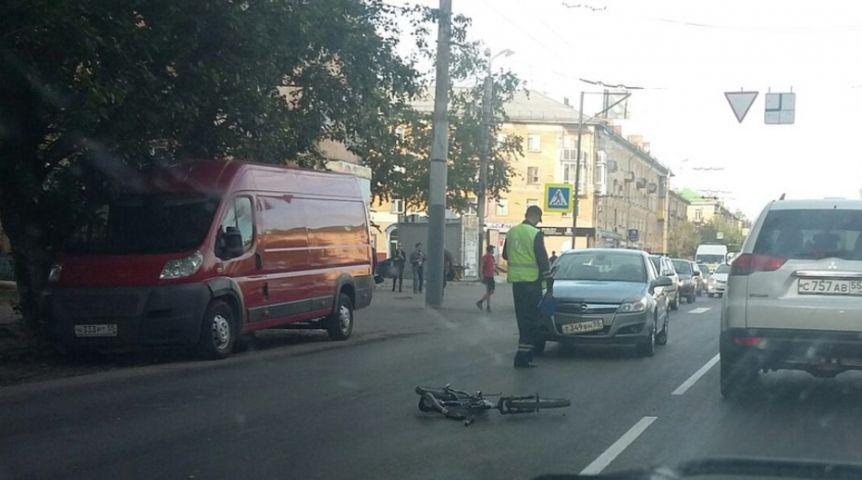 Омич на Опель сбил 11-летнего велосипедиста