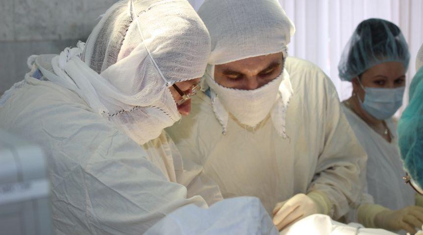 ВОмске хирурги без разрезов сформировали пенсионерке новый пищевод