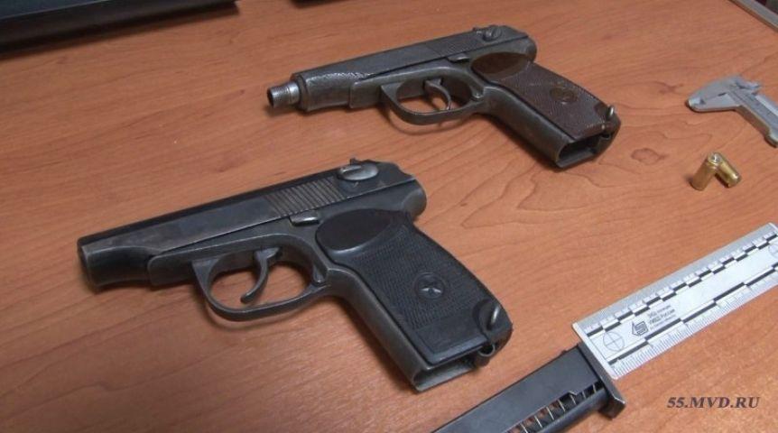ВОмске осудили участников вооружённой банды вымогателей