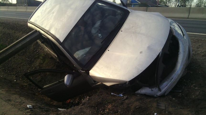 Под Омском вДТП сопрокидыванием погибла женщина-водитель