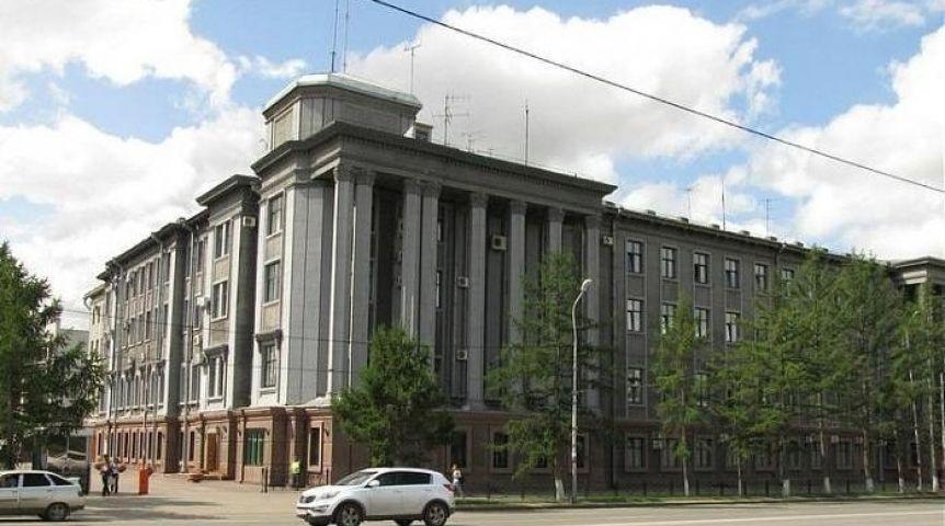 ВОмске 18-летний шофёр протаранил сооружение ФСБ