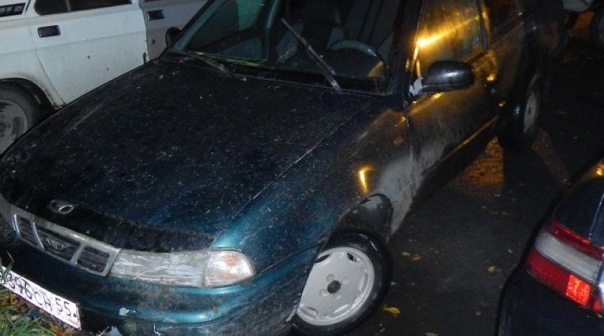 Ужителя Омска вдень рождения угнали машину