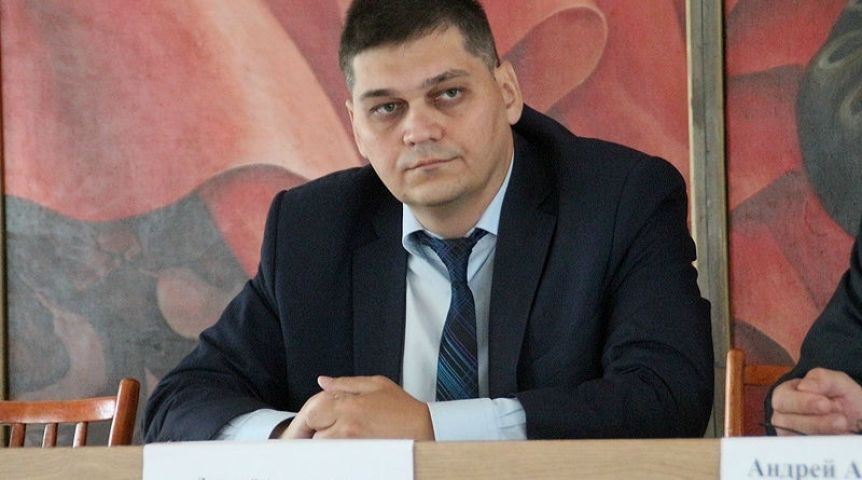 Председателем Омского горсовета ожидаемо стал Владимир Корбут