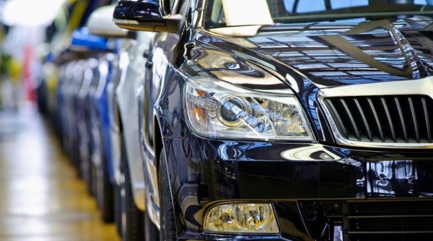 «Автостат» назвал регионыРФ ссамыми высокими продажами машин в текущем году
