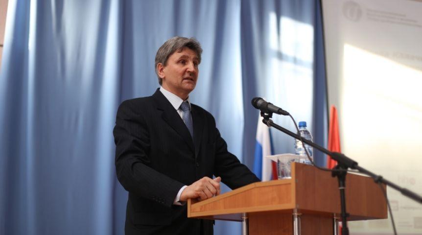 Руководитель Калачинского района заявился навыборы мэра Омска