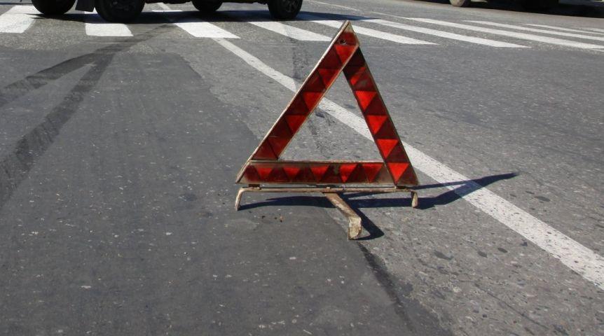13-летняя девочка угодила  под колеса легковушки вОмске