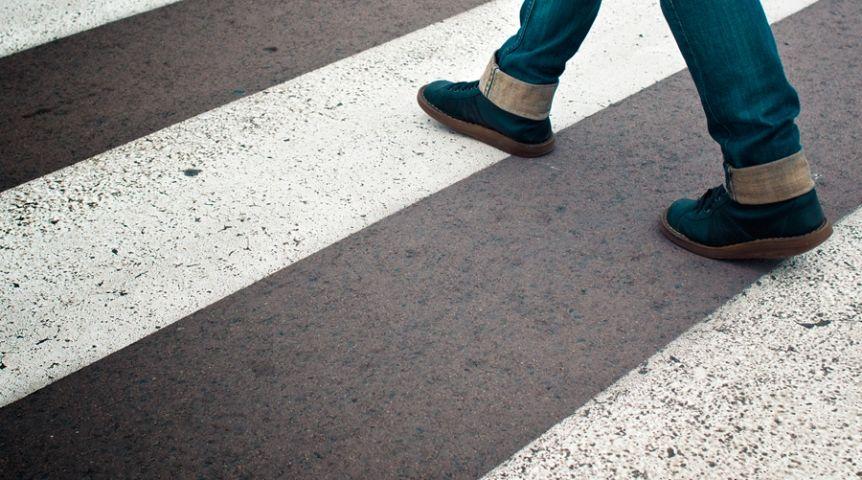 ВОмске черный «Джип» сбил ребенка  напереходе и исчез