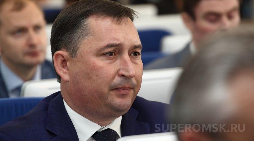 Чеченко пообещал омским бюджетникам 24 млрд.