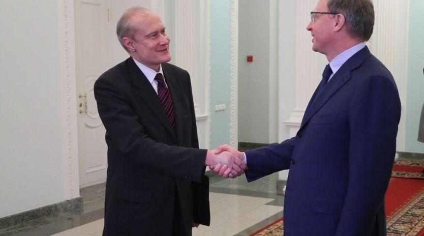 Бурков признался в слабости Венгрии и желает отправить туда омичей
