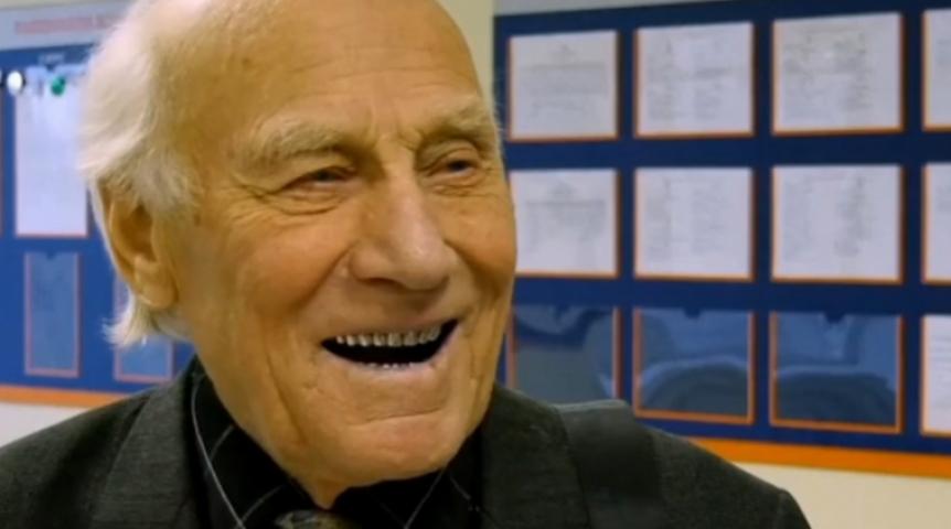 Пермского 90-летнего студента показали пофедеральному каналу