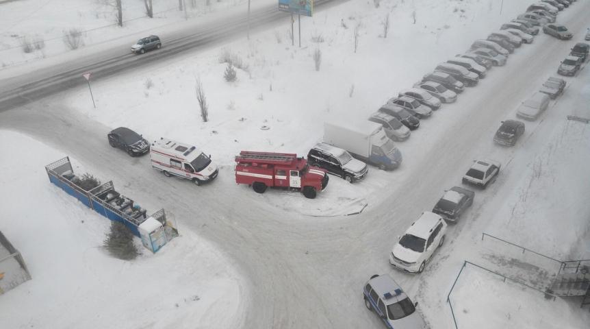 Угроза взрыва появилась  водном издворов Омска