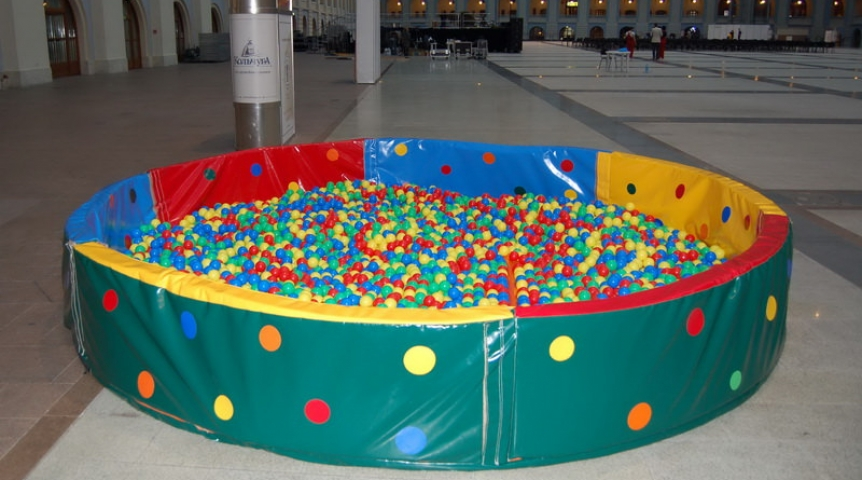 Сухой бассейн из пластиковых труб своими руками 13