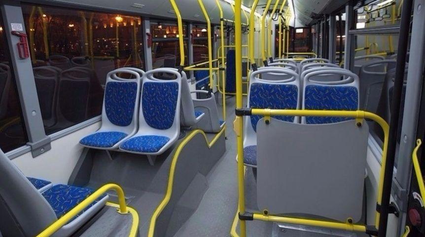 Омич впробке избил автобус