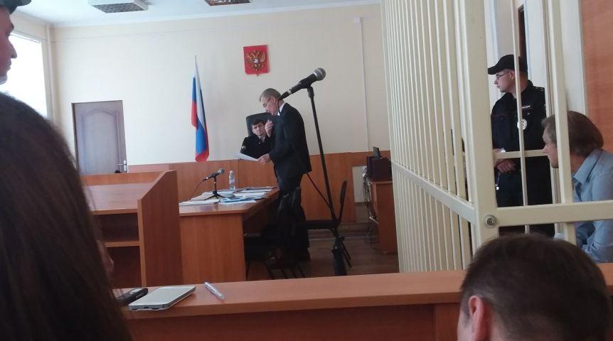 Адвокат Хабаров разыгрывает карту плохого здоровья омского депутата Калинина