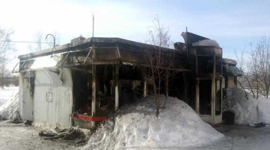 В Омске сгорели два павильона #Омск #Происшествия