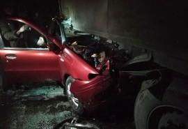 На трассе Тюмень – Омск водитель иномарки чудом выжил в страшном ДТП