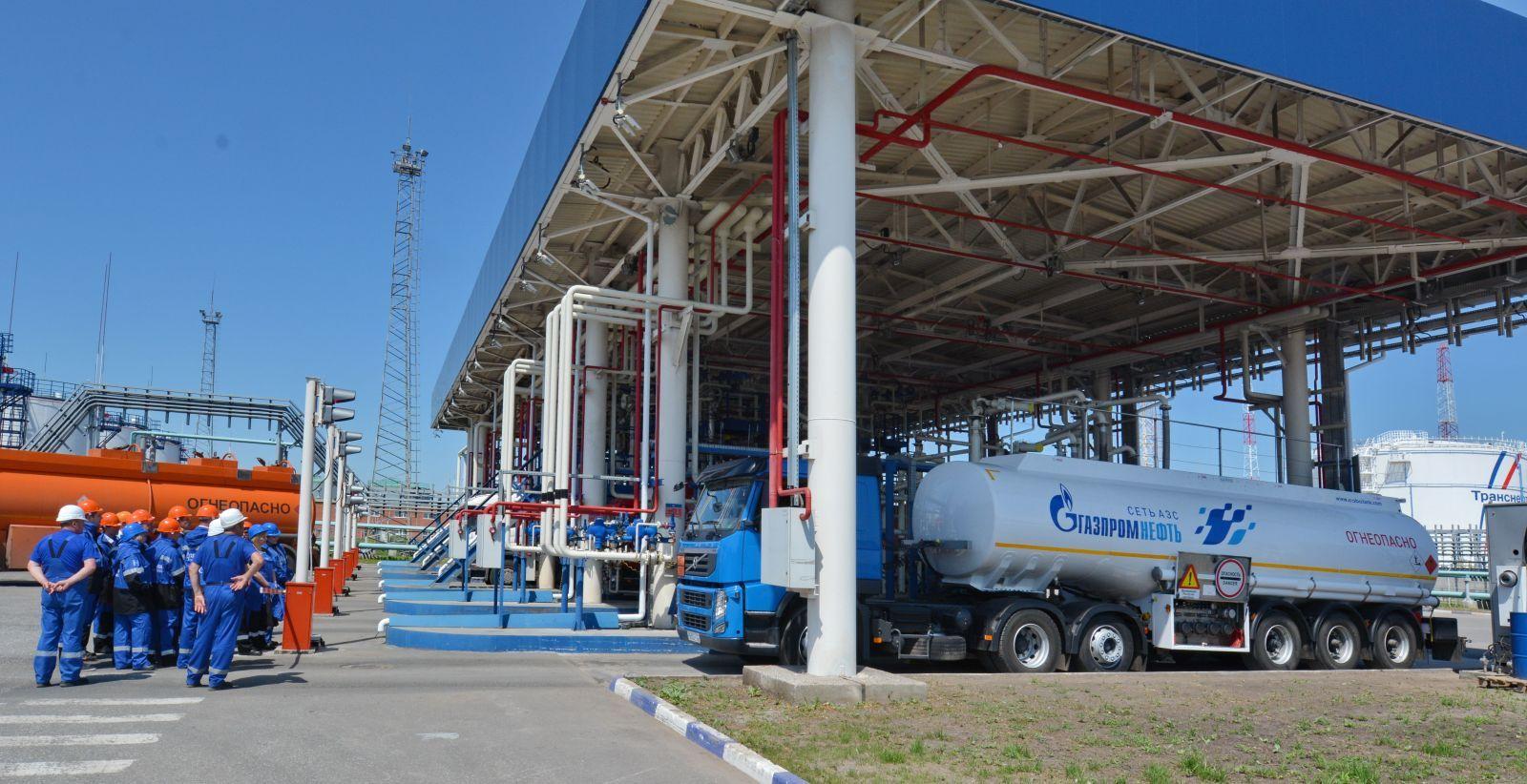вакансии водителя в московском газпроме комплект