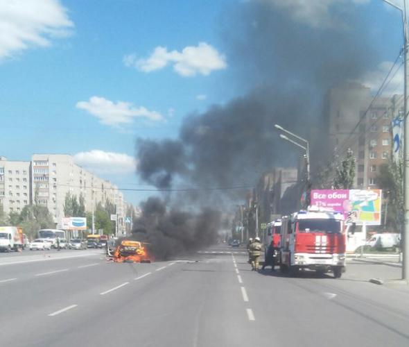 Вцентре Омска взорвался автомобиль